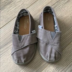 Toms size 8 never worn! Toddler shoe